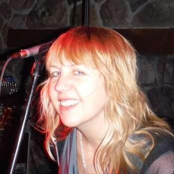 SuZen Marie headshot portrait